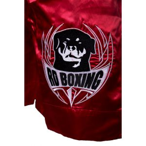 short kick boxing rouge logo noir et blanc